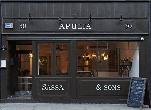 Apulia restaurant in Long Lane